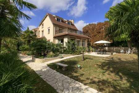 House LE VESINET - Ref M-74402
