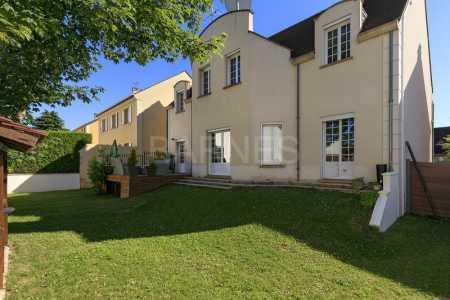 Contemporary house MONTESSON - Ref M-58139