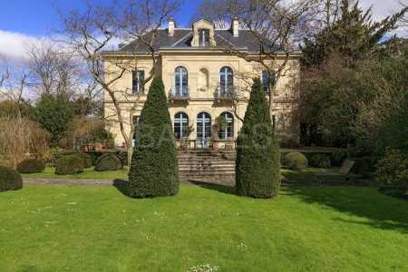 Prestigious villa CROISSY SUR SEINE - Ref M-67669