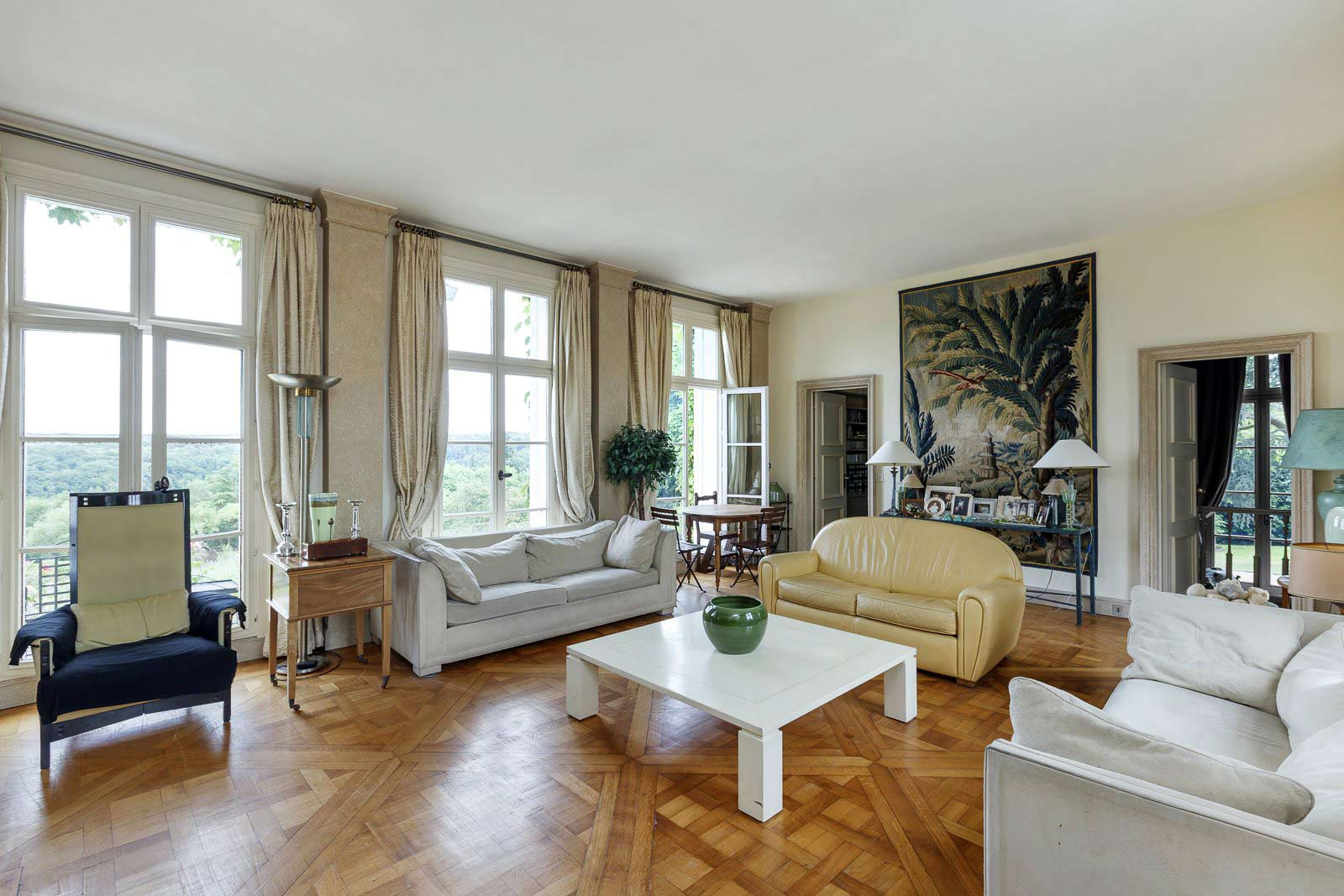 Chambourcy - France - House, 10 rooms, 6 bedrooms - Slideshow Picture 1