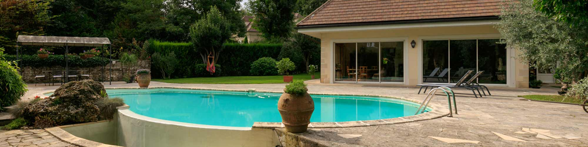 FOURQUEUX - 78112 FOURQUEUX, located in a quiet and unspoiled setting, 5 minutes from th...